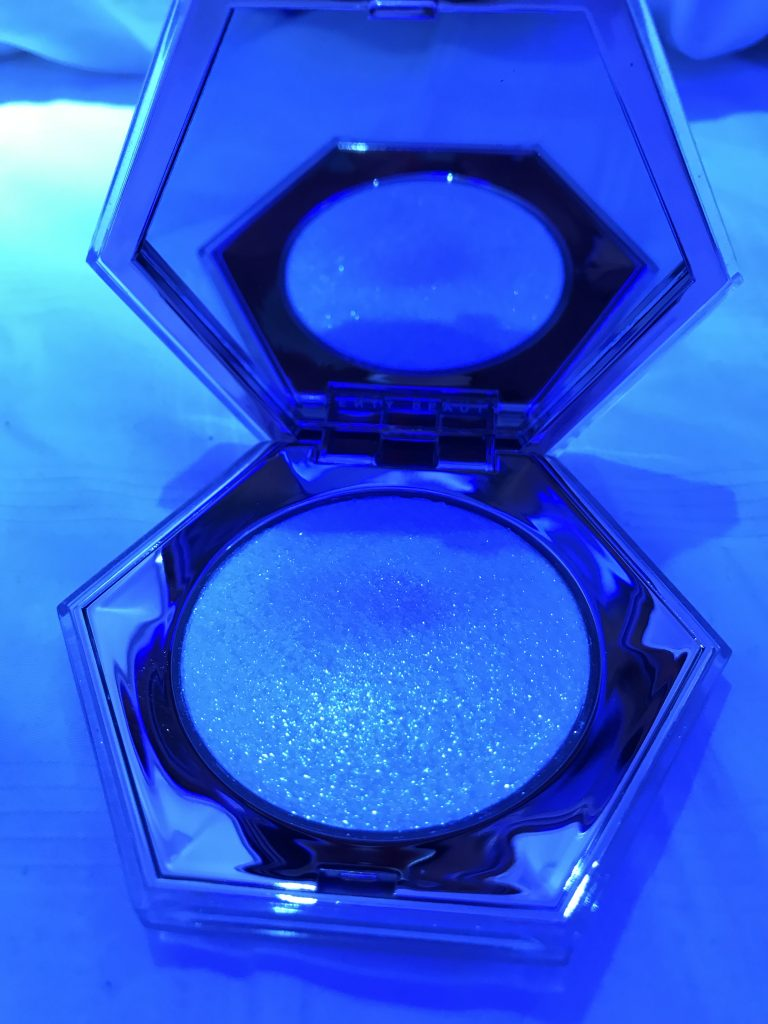 Fenty Beauty Diamondbomb Highlighter