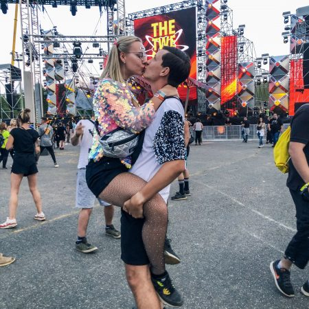 Festival couple goals nature one